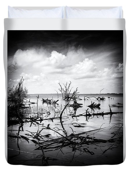 Duvet Cover featuring the photograph Contrast by Alan Raasch