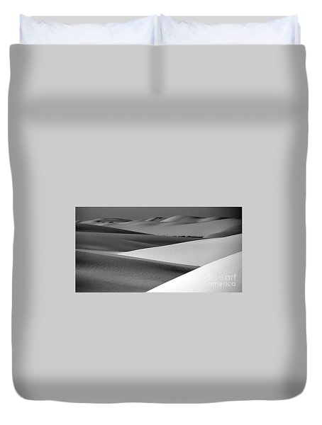 Duvet Cover featuring the photograph Contrasting Sand by Brian Spencer