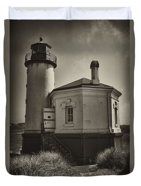 Duvet Cover featuring the photograph Coquille River Lighthouse by Hugh Smith