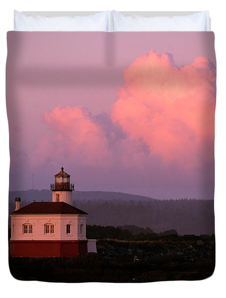 Coquille River Lighthouse Sunset Duvet Cover