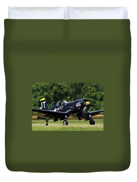 Duvet Cover featuring the photograph Corsair Close-up by Peter Chilelli
