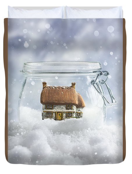 Cottage In Snow Duvet Cover