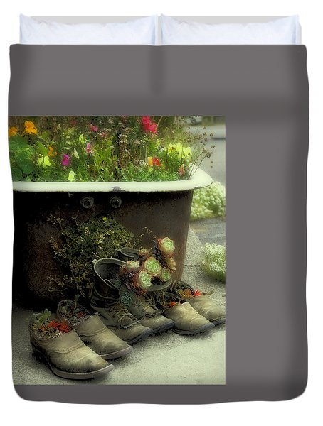 Duvet Cover featuring the photograph Country Day Spa by Kandy Hurley