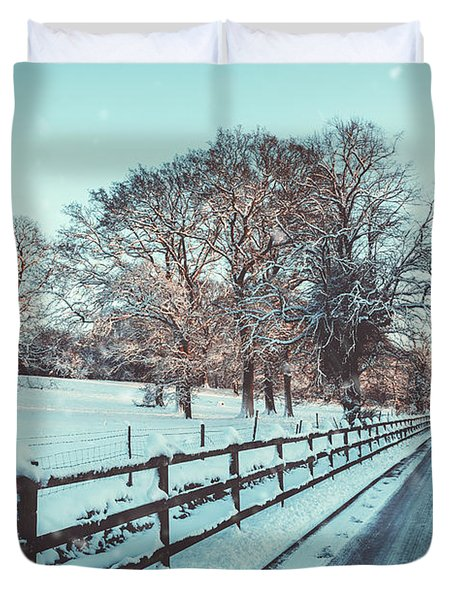 Country Lane In Winter Snow Duvet Cover