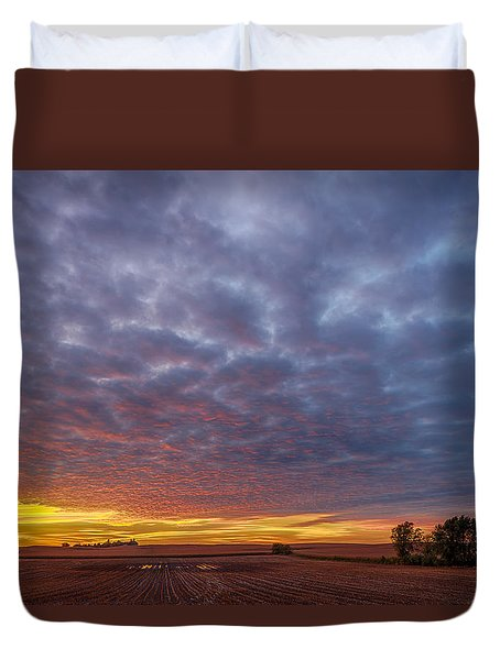Duvet Cover featuring the photograph Country Living by Sebastian Musial