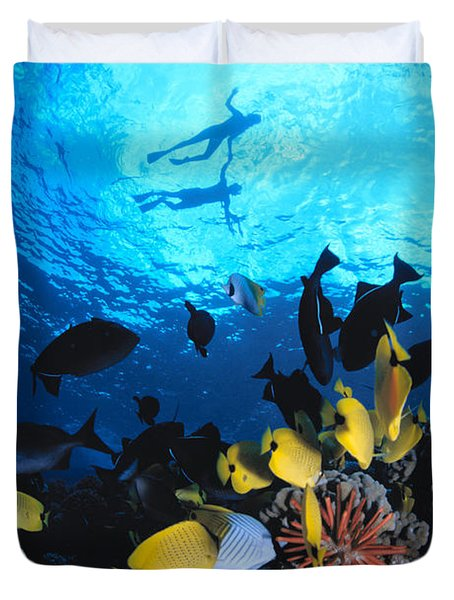 Couple Snorkels At Surfac Duvet Cover by Ed Robinson - Printscapes