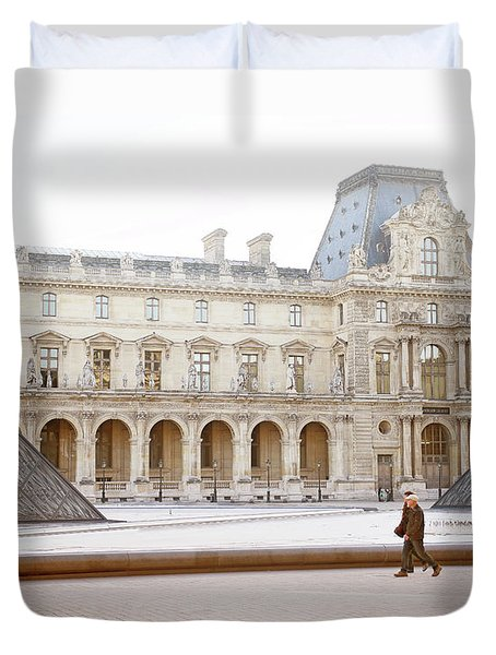 Duvet Cover featuring the photograph Couple Strolling At Louvre Museum  by Ivy Ho