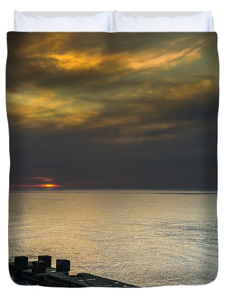 Duvet Cover featuring the photograph Couple Watching Sunset by John Williams