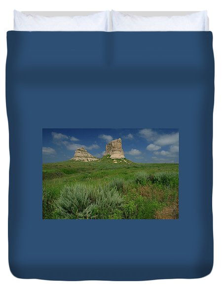Courthouse And Jail Rock In Nebraska Duvet Cover