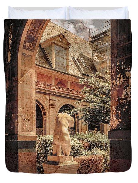 Paris, France - Courtyard East - L'ecole Des Beaux-arts Duvet Cover
