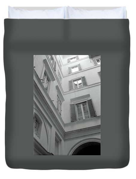Courtyard In Rome Duvet Cover