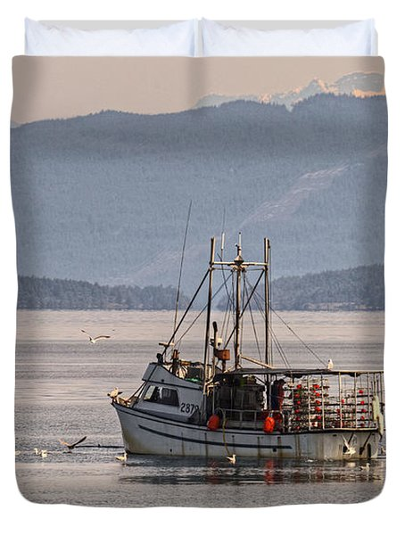 Crabbing Duvet Cover by Randy Hall