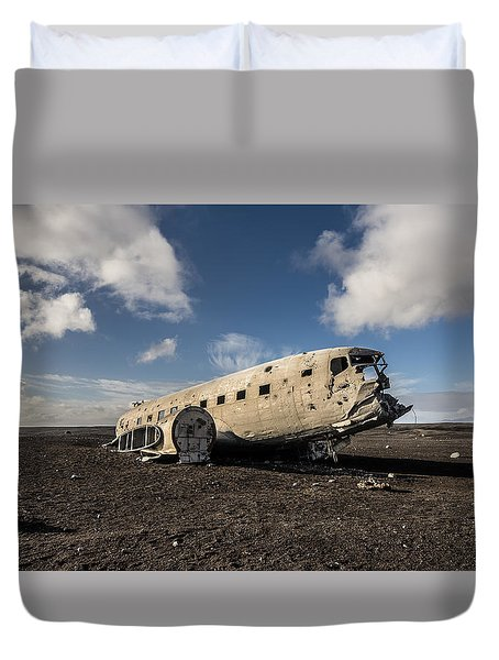 Duvet Cover featuring the photograph Crashed Dc-3 by James Billings