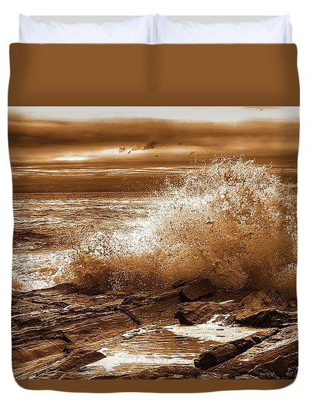Crashing Wave Hdr Golden Glow Duvet Cover by Sherman Perry