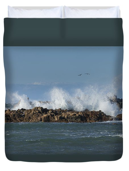 Crashing Waves And Gulls Duvet Cover