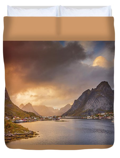 Crazy Sunset In Lofoten Duvet Cover