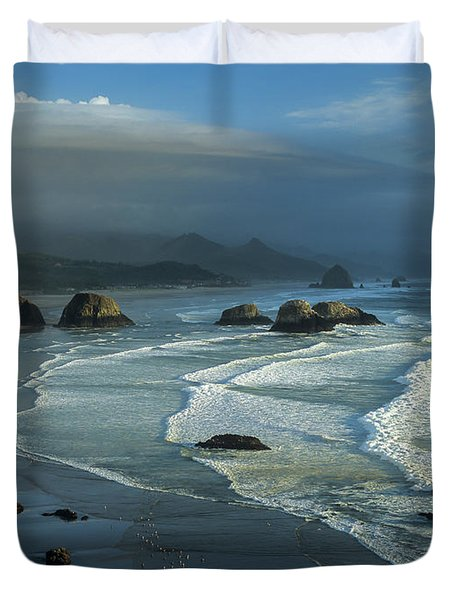 Crescent Beach And Surf Duvet Cover