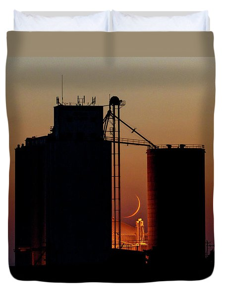 Duvet Cover featuring the photograph Crescent Moon At Laird 08 by Rob Graham