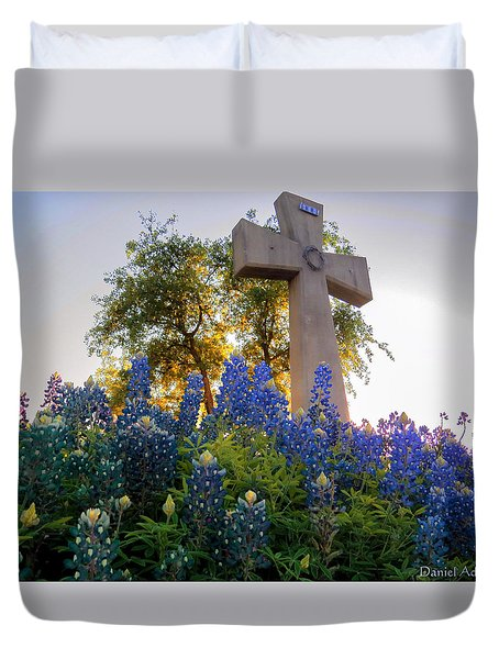 Da225 Cross And Texas Bluebonnets Daniel Adams Duvet Cover