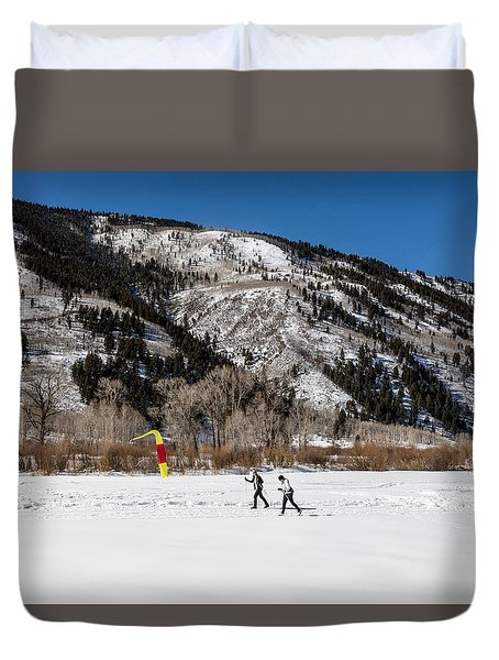 Cross-county Skiers Outside Aspen Duvet Cover by Carol M Highsmith