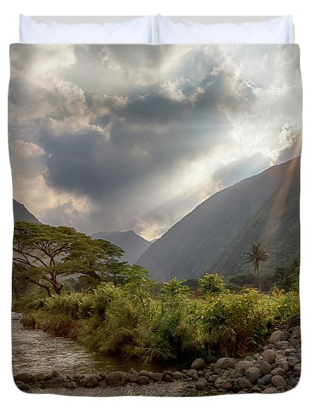 Crossing Hiilawe Stream Duvet Cover