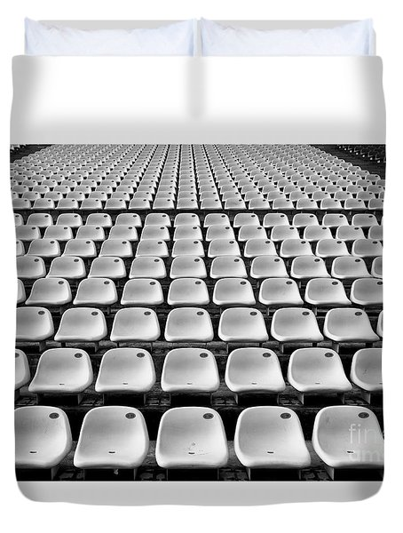 Duvet Cover featuring the photograph Crowd Pleaser by Dean Harte