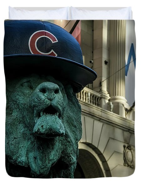Cub Hat On Art Institute Lion Telephoto Duvet Cover