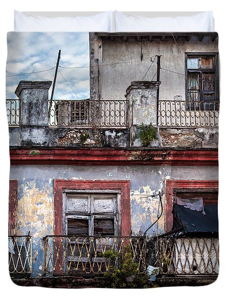 Cuban Woman At Calle Bernaza Havana Cuba Duvet Cover by Charles Harden