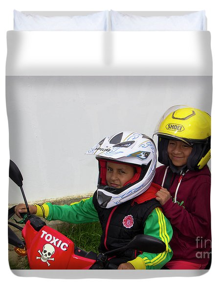 Duvet Cover featuring the photograph Cuenca Kids 889 by Al Bourassa