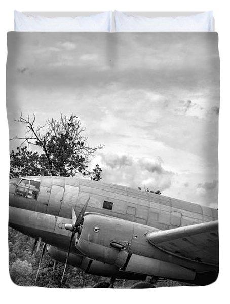 Curtiss C-46 Commando - Bw Duvet Cover