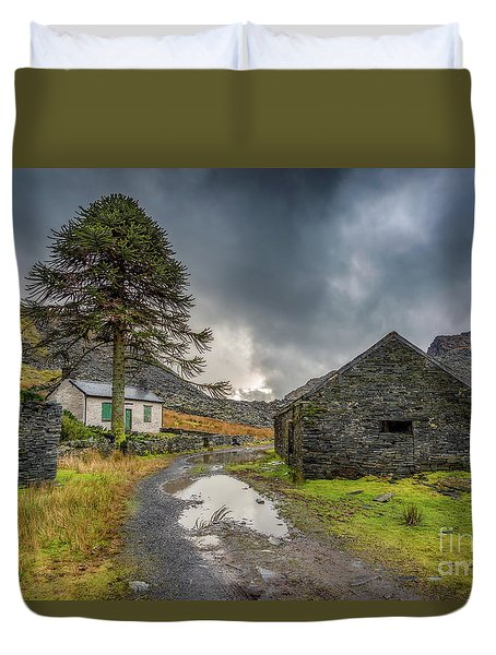 Duvet Cover featuring the photograph Cwmorthin Slate Ruins by Adrian Evans