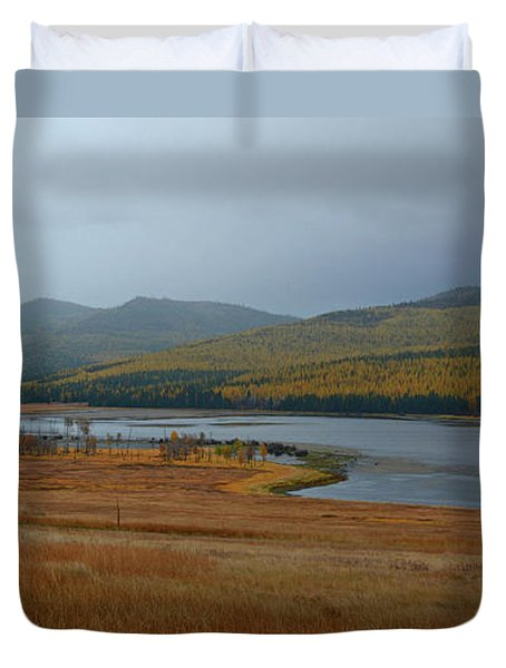 Dahl Lake In Autumn Duvet Cover