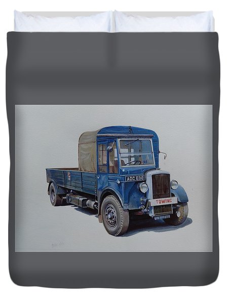 Duvet Cover featuring the painting Daimler Wrecker Btc by Mike Jeffries