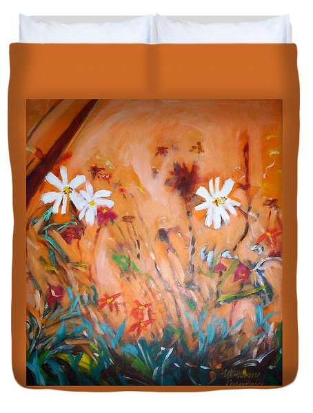 Daisies Along The Fence Duvet Cover
