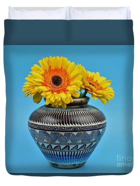 Daisies Displayed In Navajo Native American Vase Duvet Cover by Ray Shrewsberry