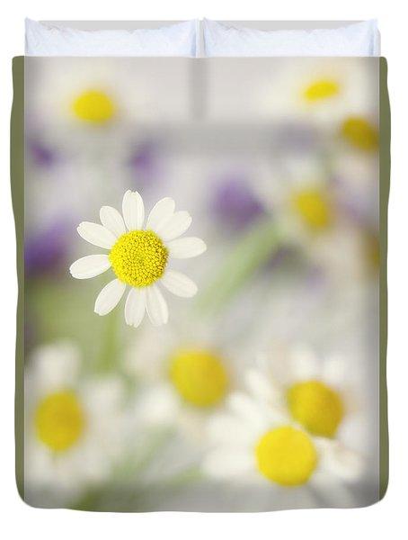 Daisies In Morning Mist Duvet Cover
