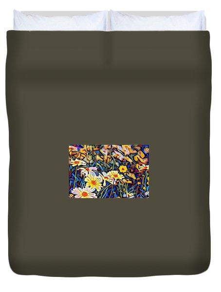 Duvet Cover featuring the photograph Daisy Dream by Geri Glavis