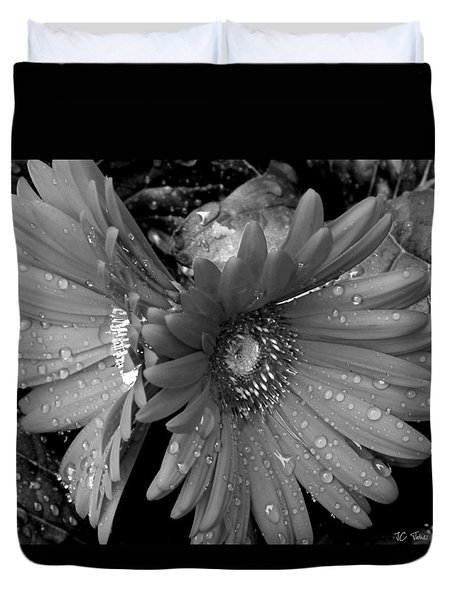Daisy In The Rain Duvet Cover