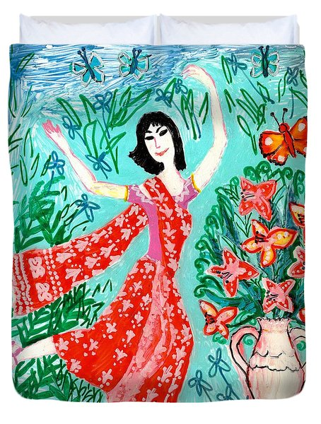 Dancer In Red Sari Duvet Cover by Sushila Burgess