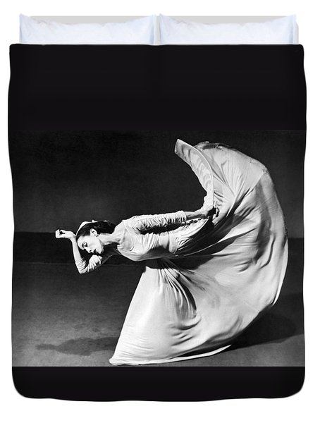 Dancer Martha Graham Duvet Cover