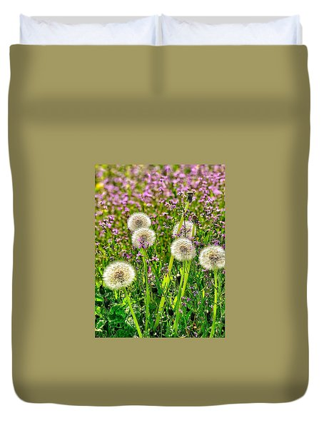 Dandelion Puffs Duvet Cover