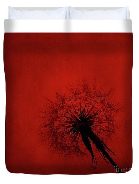 Dandelion Silhouette On Red Textured Background Duvet Cover