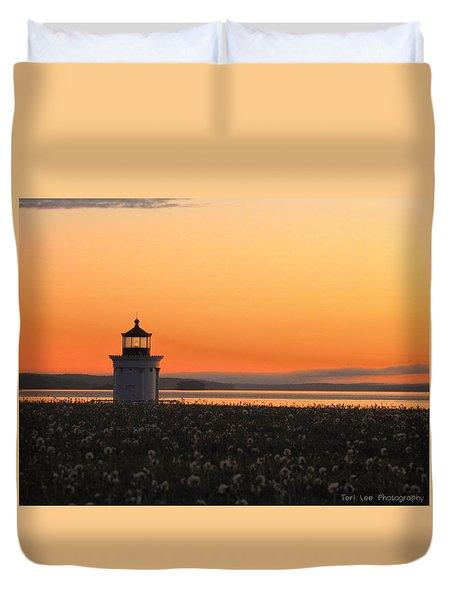 Dandelions At Sunrise Duvet Cover