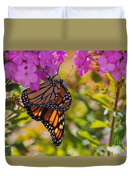 Dangling Monarch   Duvet Cover