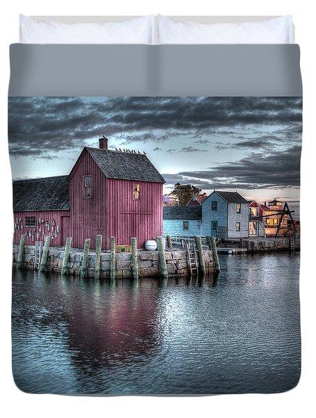 Dawn At Motif Number 1 Duvet Cover