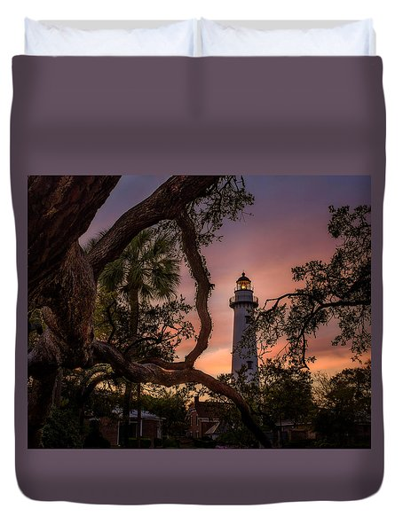 Dawn At Saint Simons Lighthouse - Horizontal Duvet Cover