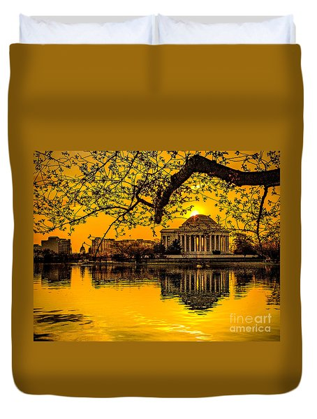 Duvet Cover featuring the photograph Dawn At The Jefferson Memorial  by Nick Zelinsky