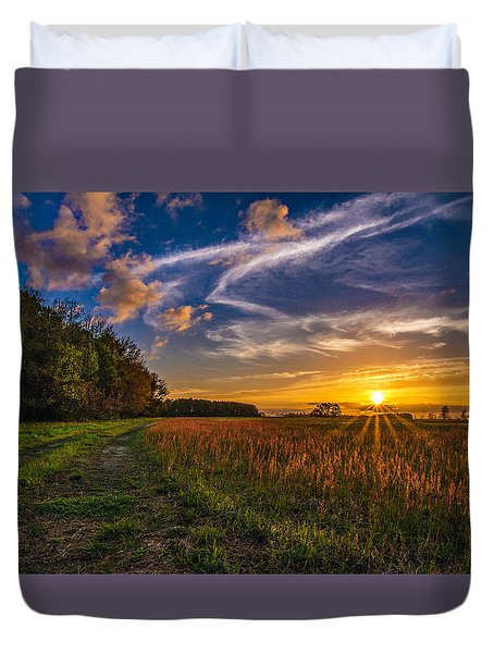 Dawn In The Lower 40 Duvet Cover