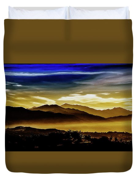 Duvet Cover featuring the photograph Day Break 2a1 by Joseph Hollingsworth