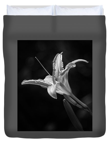 Day Lily Profile Duvet Cover